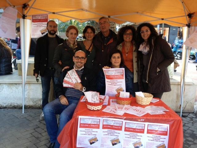 """Foto. 15.11.13 Bari: """"Poveri…di diritti"""""""