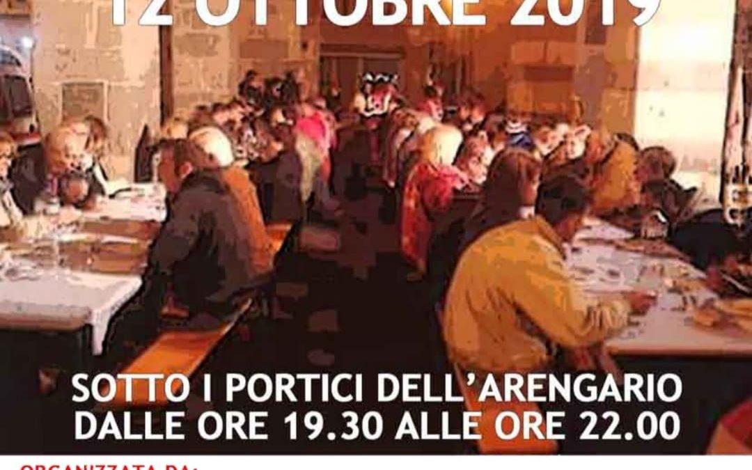 Monza, tavolata solidale sotto l'Arengario!