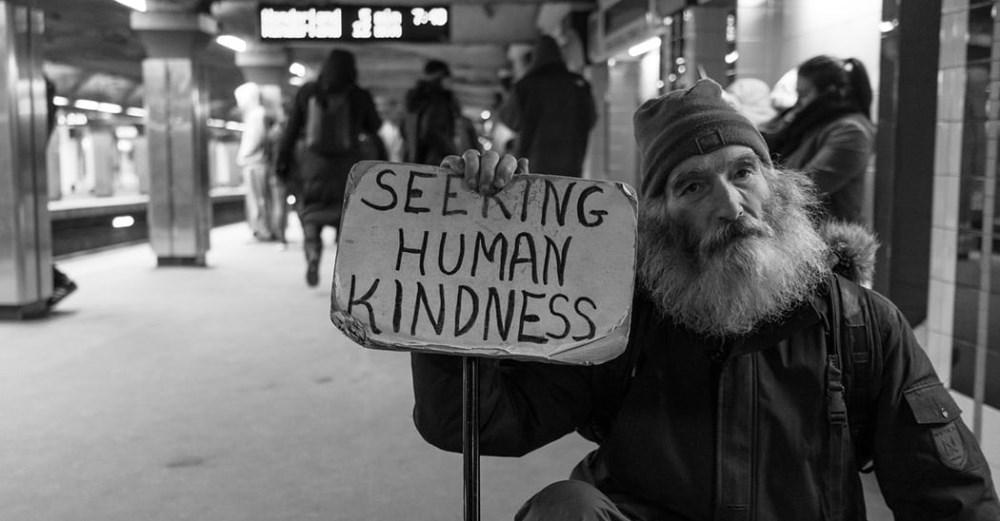 Torino e persone senza dimora: il denaro, il decoro, il dubbio